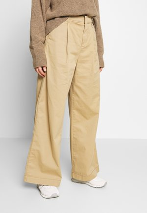 HI-RISE PLEATED - Broek - mojave