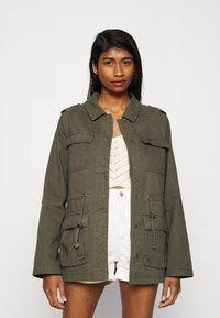 ONLY - ONLMAYA LIFE UTILITY JACKET  - Summer jacket - kalamata - 0
