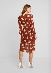 Missguided - FLORAL BUTTON DOWN MIDI DRESS - Shirt dress - brown - 3