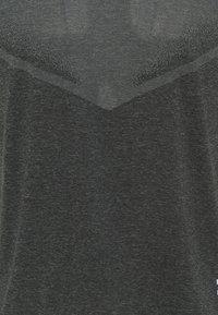 Nike Performance - TECHKNIT ULTRA  - T-shirt print - black/smoke grey - 7