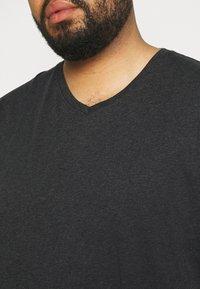 Johnny Bigg - ESSENTIAL V NECK TEE - Basic T-shirt - charcoal - 4