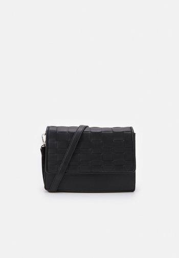 WOVEN XBODY - Across body bag - black