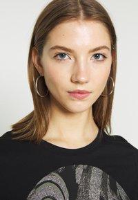 b.young - BXSEMONE TURN UP - T-shirts med print - black - 3