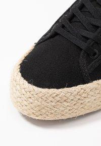 HUB - HOOK - Loafers - black - 2