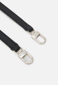 Guess - DAYANE DOUBLE POUCH CROSSBODY SET - Handbag - black - 4