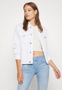 Calvin Klein - CLASSIC JACKET - Džínová bunda - white denim - 3