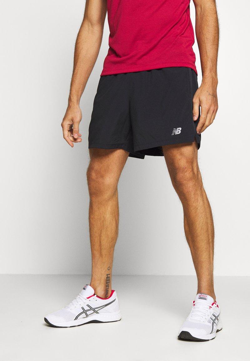 New Balance - ACCELERATE - Sports shorts - black