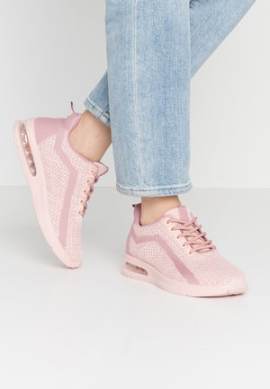 Trainers - rose