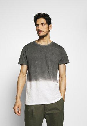 JANUS - Print T-shirt - castlerock
