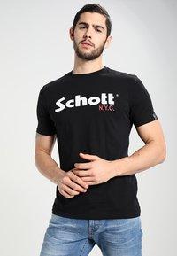 Schott - LOGO 2 PACK - Triko spotiskem - black/white - 3