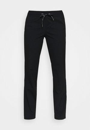 ESSENTIAL FLEX PANTS - Verryttelyhousut - black