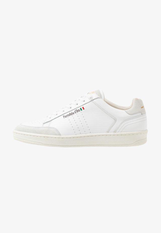 CALTARO UOMO - Trainers - bright white