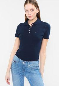 Tommy Jeans - ORIGINAL BASIC - Poloshirt - dress blues - 0