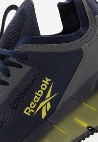 Reebok Classic - ZIG KINETICA CONCEPT TYPE2 - Baskets basses - navy/hero yellow/cold grey - 5