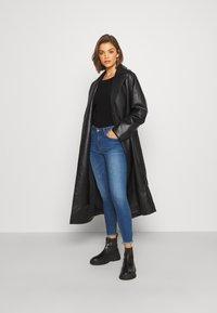 JDY - JDYSONJA LIFE - Jeans Skinny Fit - medium blue denim - 1