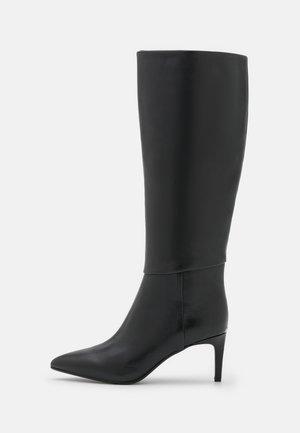 ESSENTIAL - Boots - black
