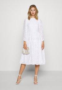NA-KD - PUFF SLEEVE DRESS - Day dress - white - 1