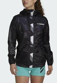 adidas Performance - TERREX AGRAVIC PRO WIND.RDY WINDBREAKER - Windbreaker - black - 5