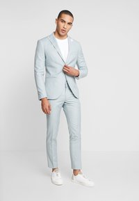 Isaac Dewhirst - WEDDING SUIT - Completo - light green - 1