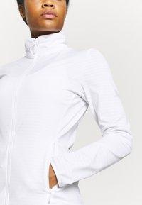 Salomon - OUTRACK - Fleecová bunda - white - 3