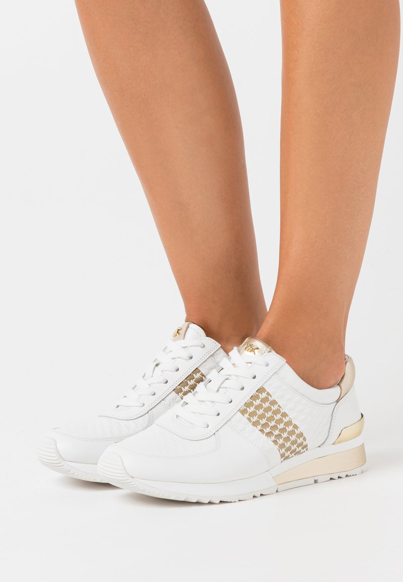 MICHAEL Michael Kors - ALLIE WRAP TRAINER - Baskets basses - optic white/gold