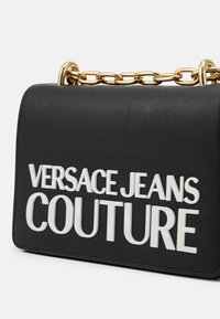 Versace Jeans Couture - CROSS BODY FLAP CHAINMACROLOGO - Umhängetasche - nero - 3