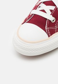 Converse - STAR PLAYER UNISEX - Trainers - red - 5