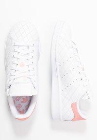 adidas Originals - STAN SMITH  - Baskets basses - footwear white/glow pink - 3