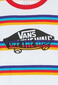 Vans - STRIPE - T-shirt z nadrukiem - white/caribbean sea - 3