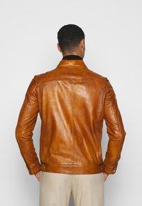 STUDIO ID - ARY  - Chaqueta de cuero - brown - 2