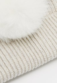Huttelihut - KIDS PATENT FOLD UP POMPOMS - Beanie - white/white - 3