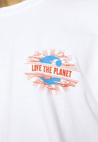 Carhartt WIP - LOVE PLANET - Print T-shirt - white - 6