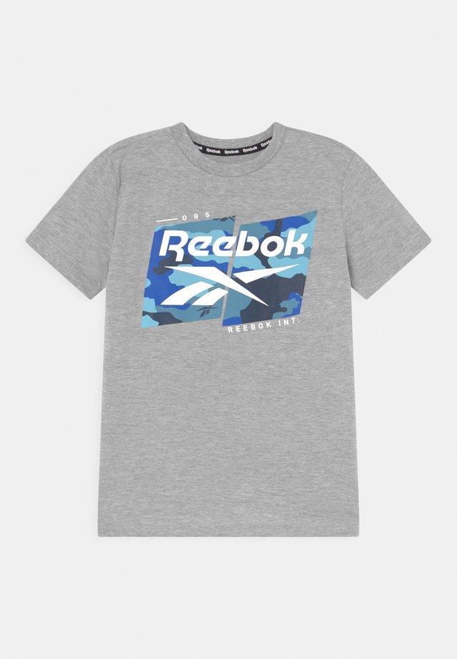 CAMO LOGO TEE - T-shirt print - grey
