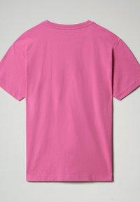 Napapijri - S-BOX   - T-shirt z nadrukiem - pink super - 6