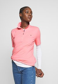 Tommy Hilfiger - TH ESSENTIAL POLO  - Polo shirt - pink grapefruit - 3