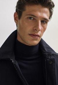 Massimo Dutti - 03421243 - Down jacket - dark blue - 3