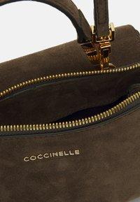 Coccinelle - ARLETTIS SATCHEL - Handbag - reef - 2