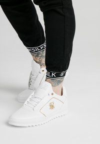 SIKSILK - CUFF PANTS - Cargobroek - black - 4