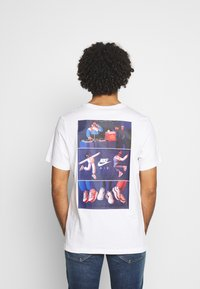 Nike Sportswear - TEE AIRMAN DJ - Triko spotiskem - white - 2