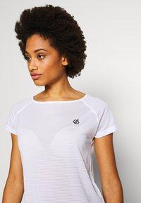 Dare 2B - DEFY TEE - T-shirt med print - white - 3
