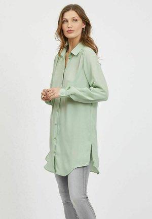 VILUCY NOOS - Button-down blouse - desert sage