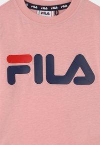 Fila - NICK BASIC LONGSLEEVE UNISEX - Long sleeved top - coral blush - 2