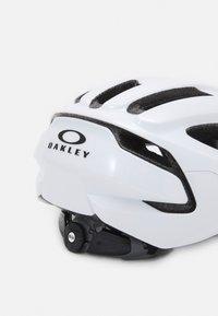 Oakley - ARO3 LITE EUROPE - Helmet - white - 4