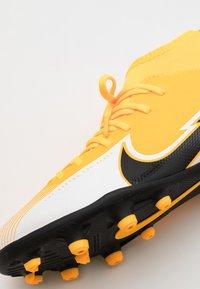 Nike Performance - MERCURIAL 7 CLUB FG/MG - Voetbalschoenen met kunststof noppen - laser orange/black/white - 5