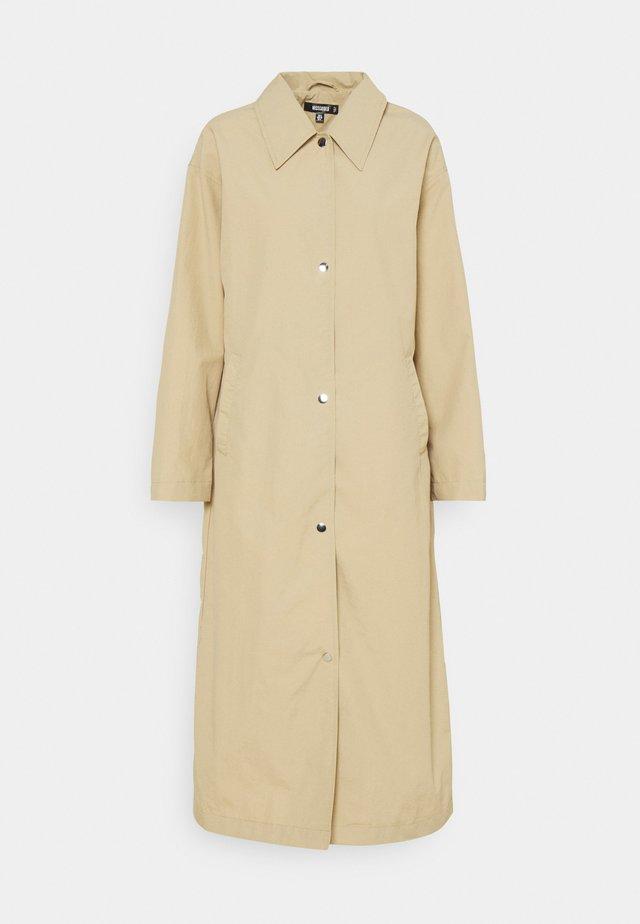LONGLINE - Klasický kabát - stone