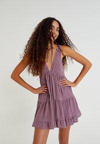 PULL&BEAR - Day dress - mottled purple - 0