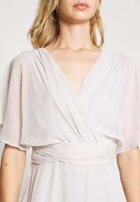 Nly by Nelly - FLOWY SLEEVE GOWN - Galajurk - light grey - 5