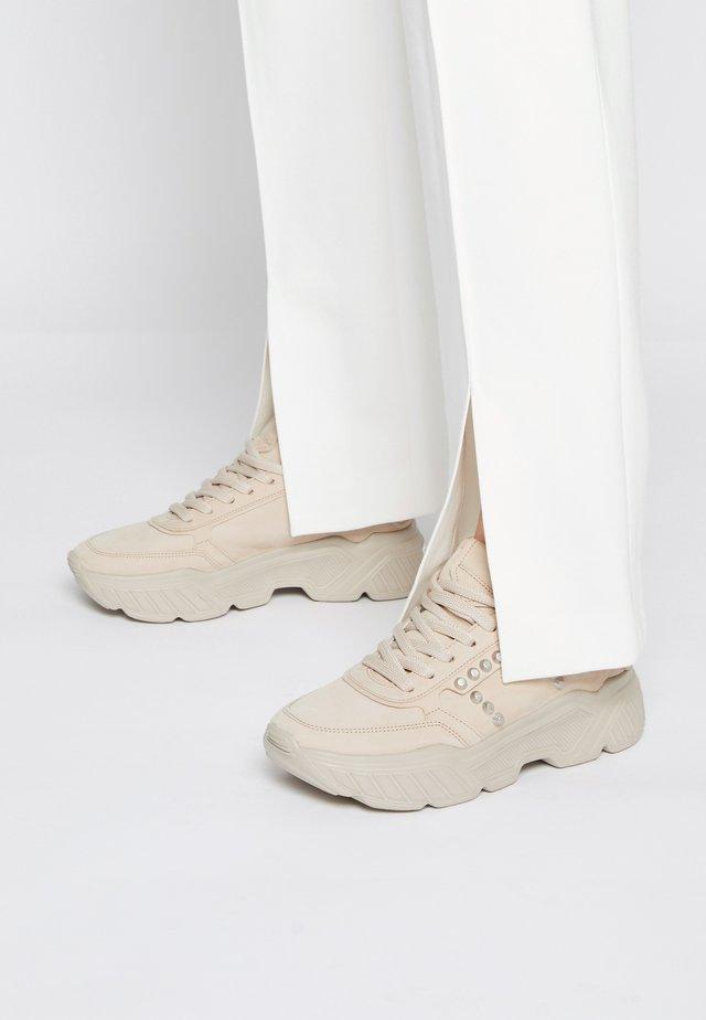 BOOM - Sneakers laag - desert/sil