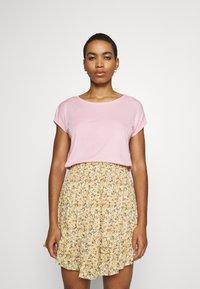Vero Moda - Jednoduché triko - roseate spoonbill - 0