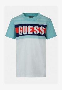 Guess - Print T-shirt - mehrfarbig, weiß - 0